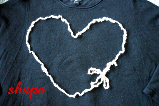 heart sweater diy - make your shape with the yarn