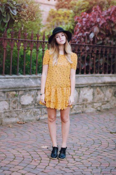 01_yellow_sundress