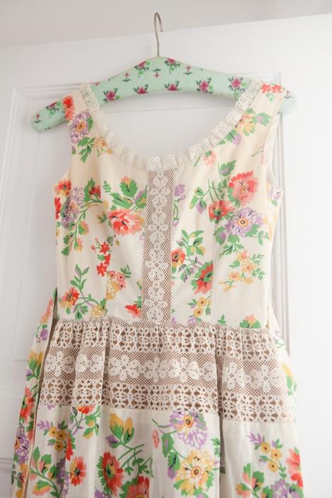 08_vintage_floral_dress
