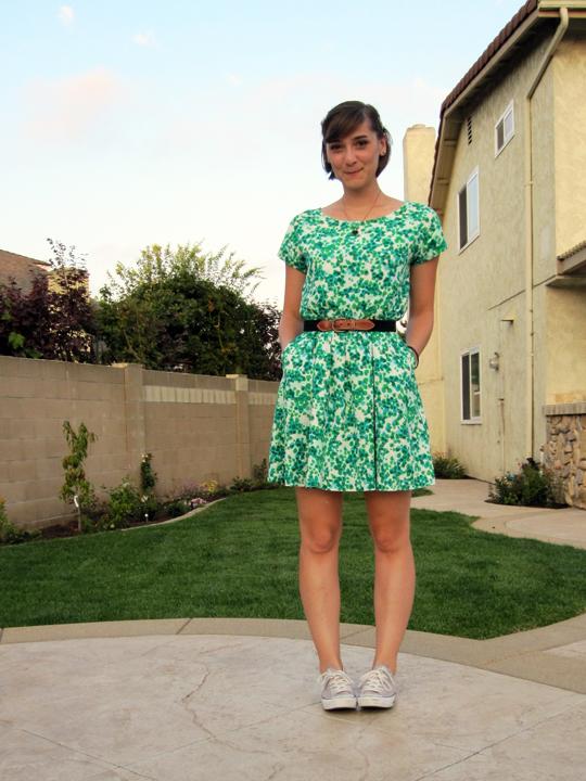 ootd - green dot dress, vintage belt, tennis shoes 1