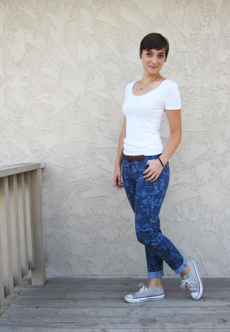 ootd - white tee, pattern pants, Converse