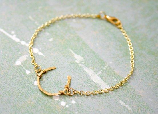 05_horseshoe_bracelet