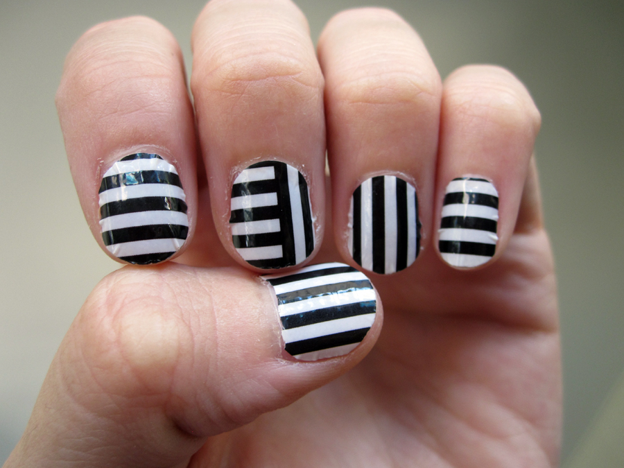 stripe_nail_stickers