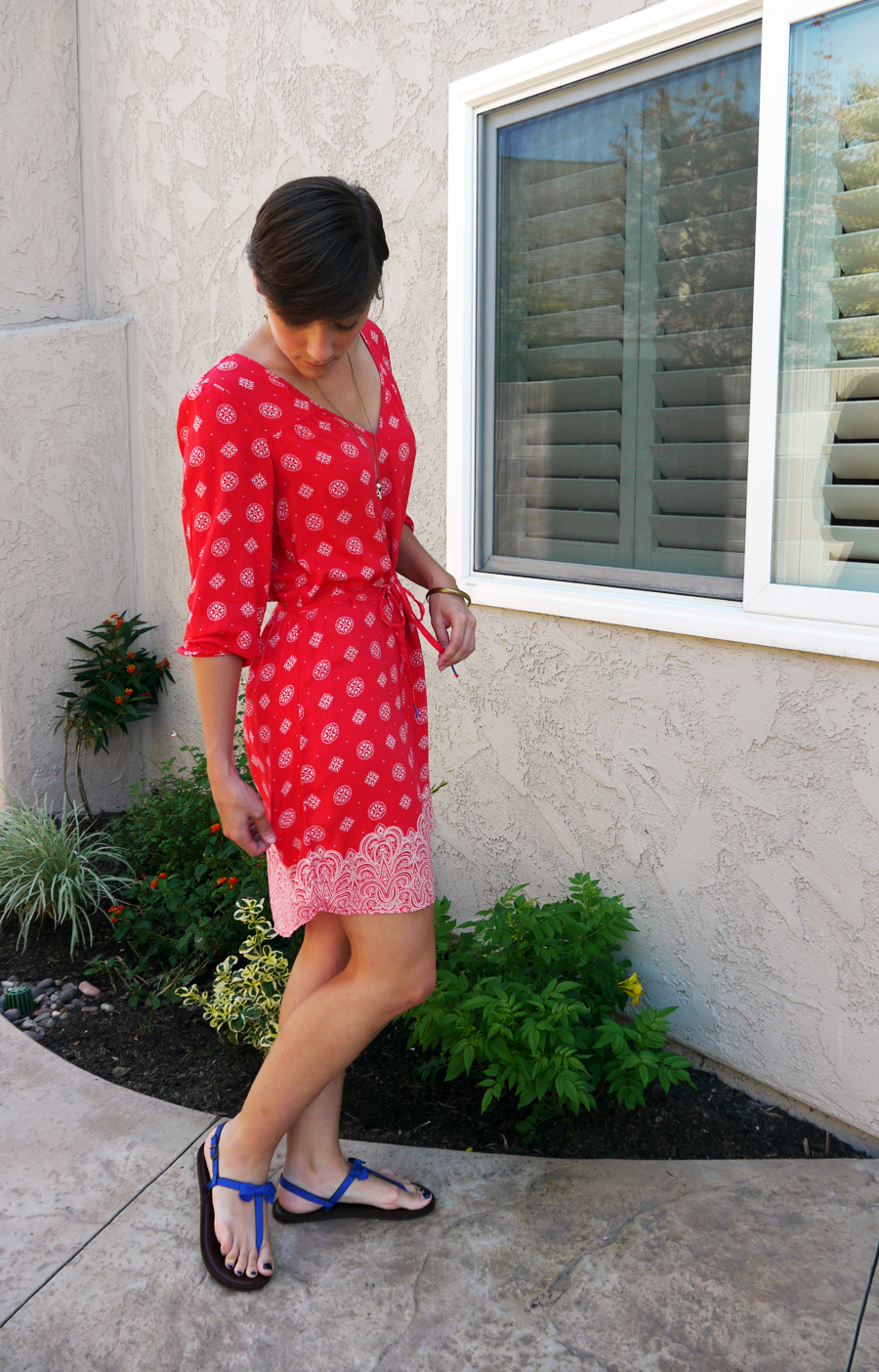 H&M_red_dress_side