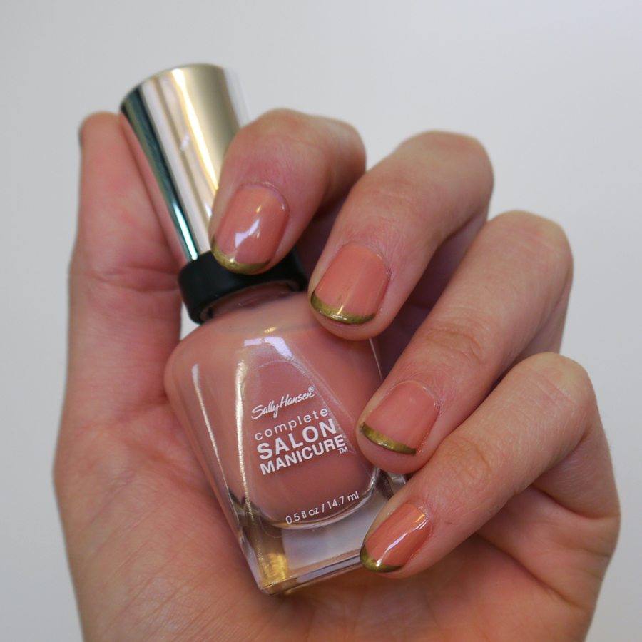 #notd_nude-and-gold-tips_03