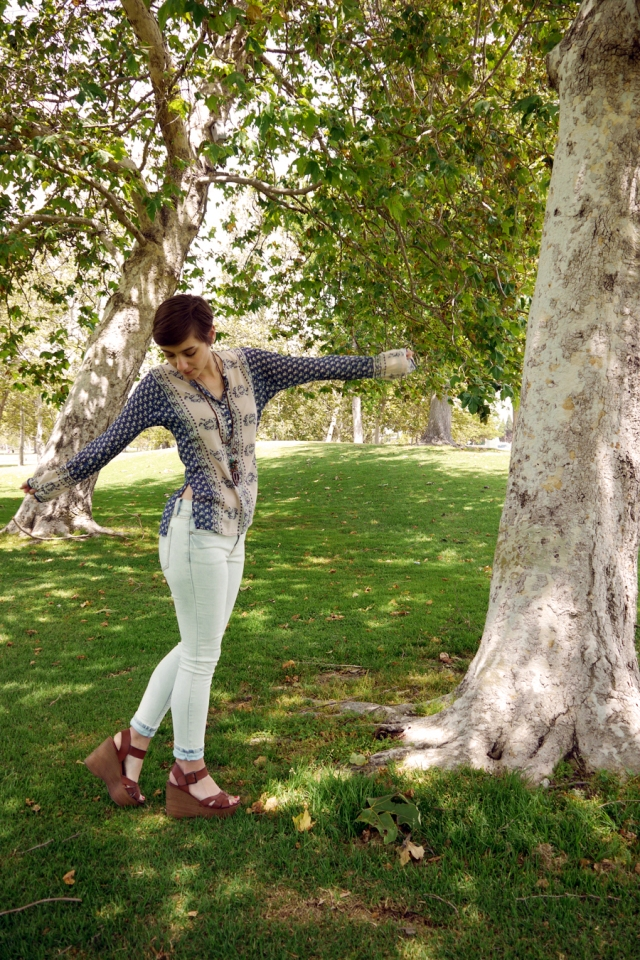 Thrift-Style-Thursday-hippie-boho-top-white-jeans-wedges_03