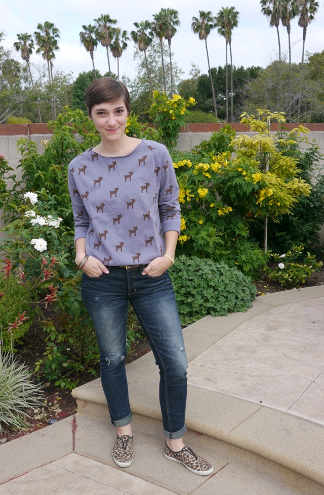 Thrift-Style-Thursday-deer-sweater-distressed-jeans-leopard_01