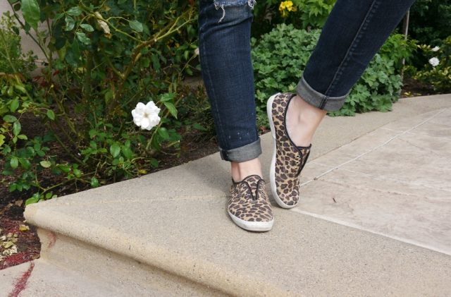 Thrift-Style-Thursday-distressed-jeans-leopard-keds