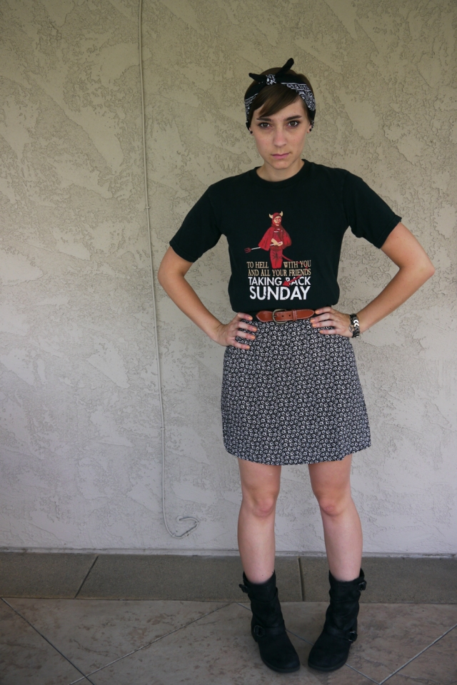 Thrift-Style-Thursday-Goth-black-band-shirt-dress_03