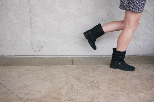 Thrift-Style-Thursday-Goth-black-boots
