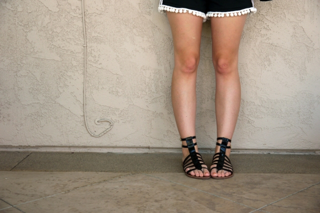 Thrift-Style-Thursday-mesh-pom-pom-shorts-gladiator-sandals_01