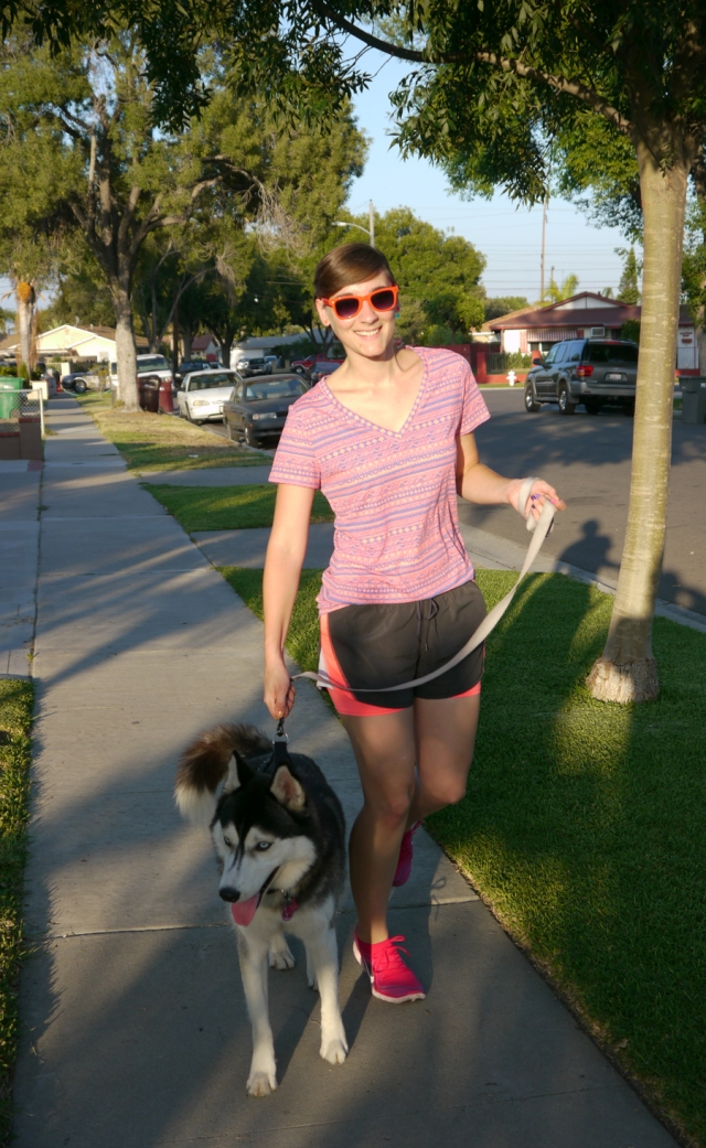 Thrift-Style-Thursday-neon-workout-shirt-shorts-nike-husky_02
