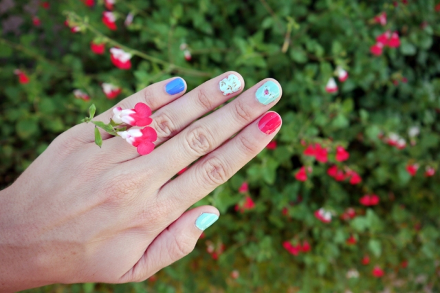 #MonthlyMani-romantic-floral-nails-02