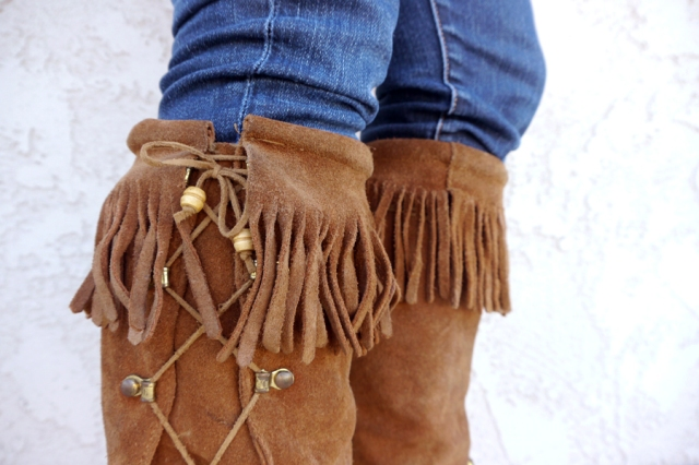 Thrift-Style-Thursday-fringe-moccasin-boots-detail