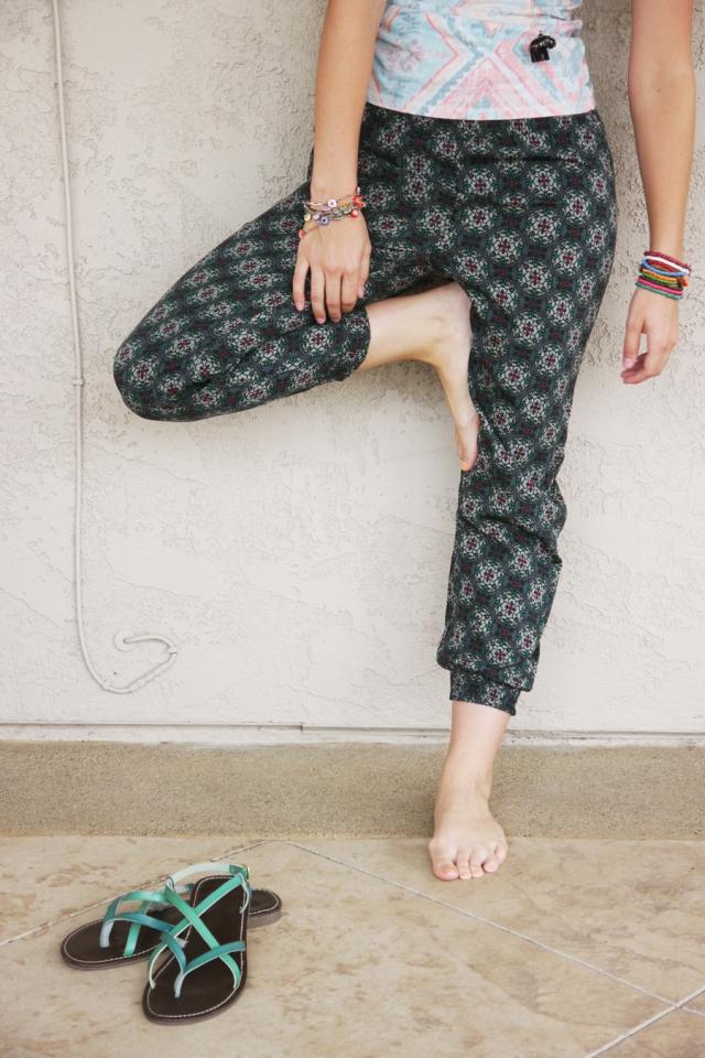 Thrift-Style-Thursday-India-aztec-tank-top-harem-pants_07
