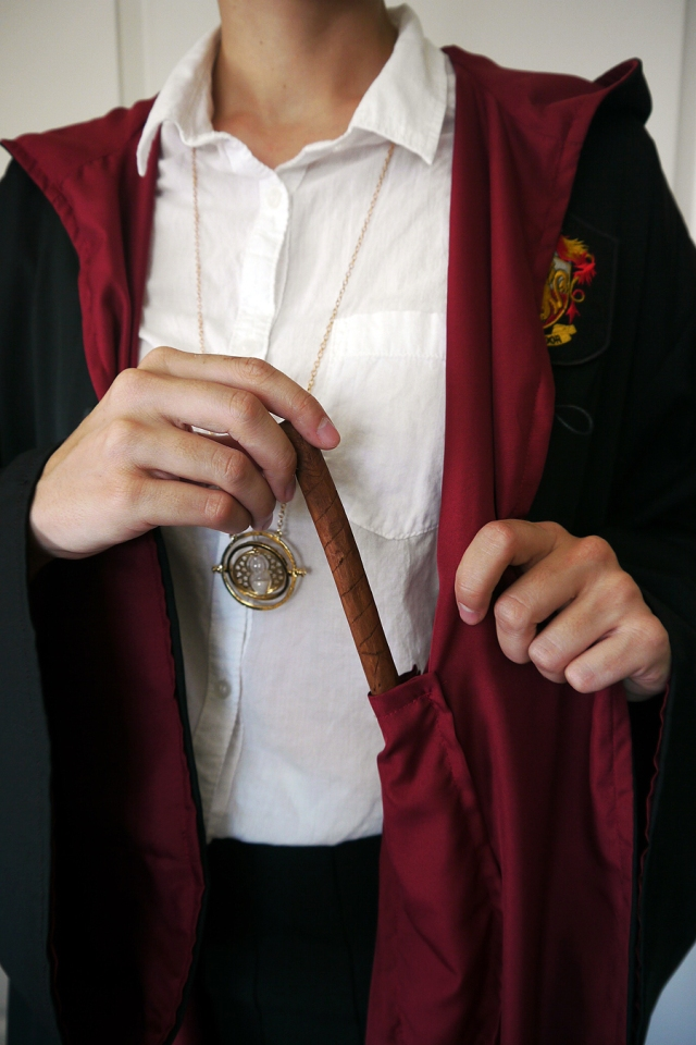 Harry-Potter-Hermione-Gryffindor-cosplay-wand-pocket