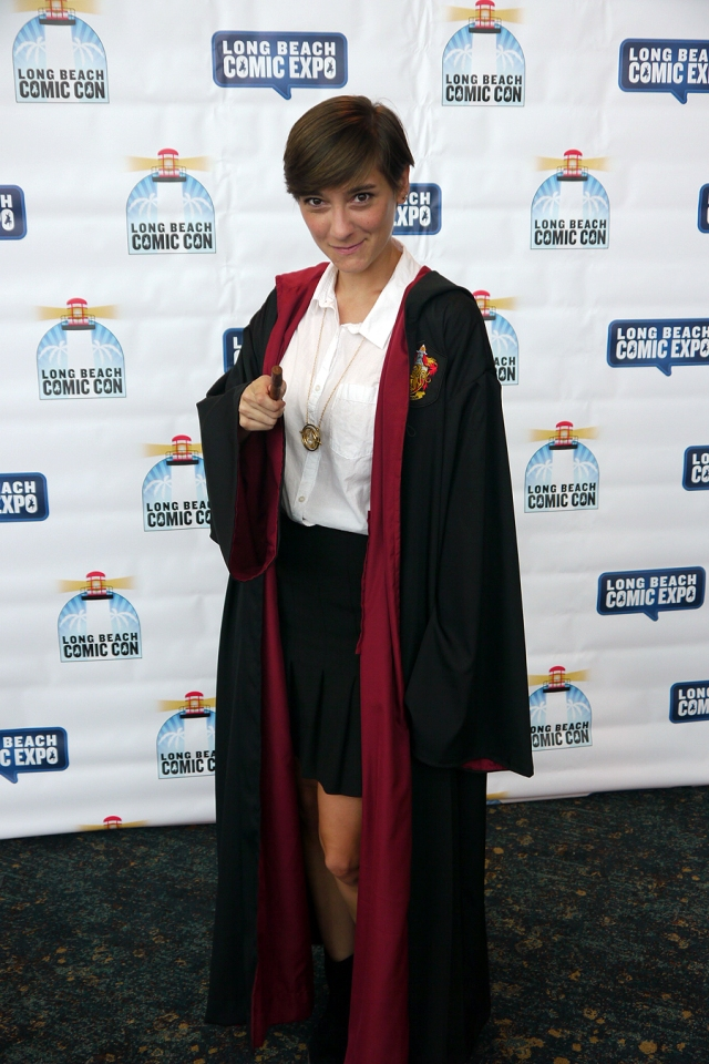 Long-Beach-Comic-Con-Harry-Potter-Hermione-Gryffindor-cosplay-03