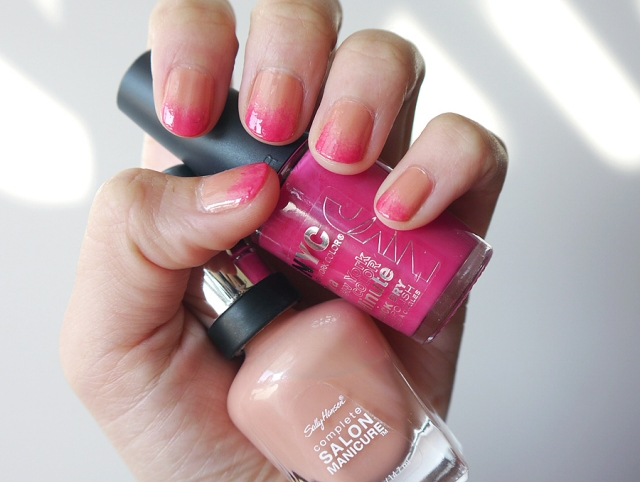 #MonthlyMani-pink-ombre-nail-art-close