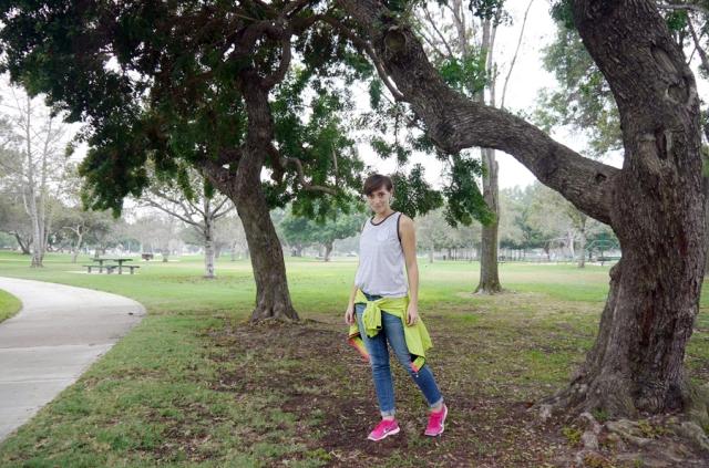 thrift-style-sporty-stripe-tank-polka-dot-jeans-windbreaker-Nike