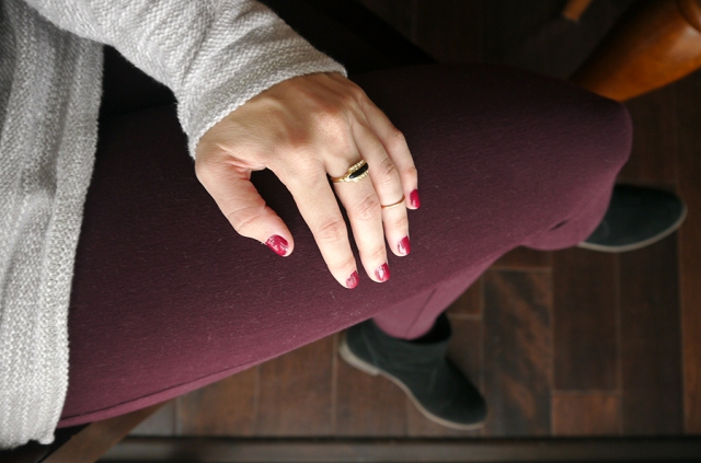 #notd-Sally-Hansen-burgundy-cranberry-red-outfit
