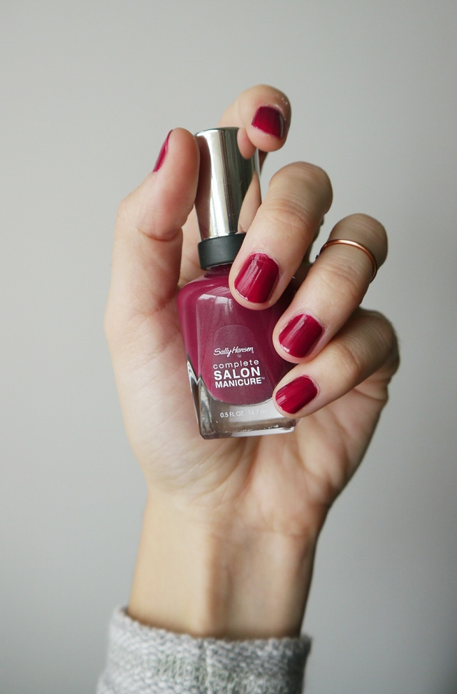 #notd-Sally-Hansen-burgundy-cranberry-red-polish