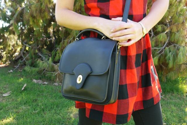 #ootd-red-plaid-dress-black-vintage-leather-purse