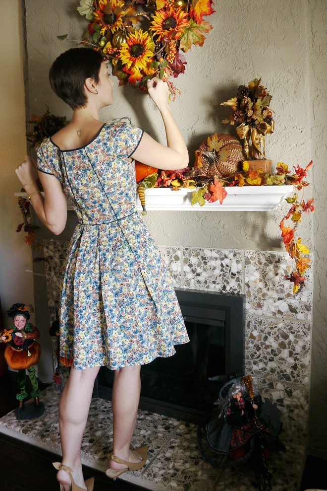 Thanksgiving-eShakti-floral-dress-kitten-heels-03